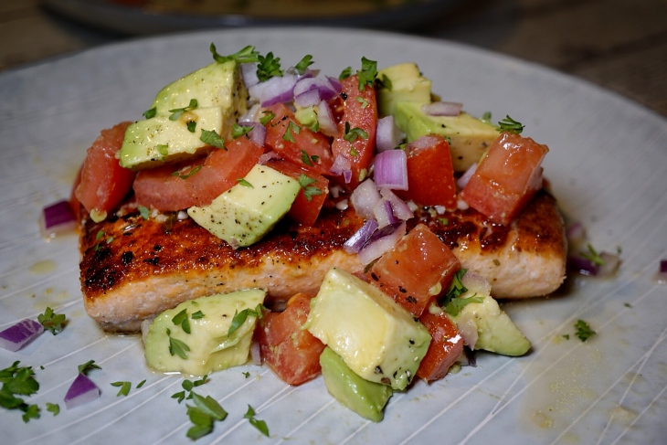 Whole30 Recipes Pan Seared Salmon With Avocado Salsa